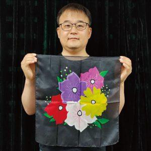 Silk Flower Design BLACK (18in) by JL Magic – Trick