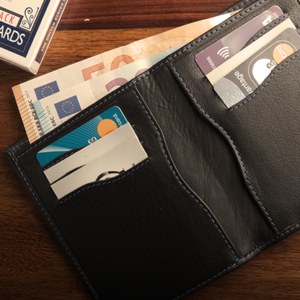 The Rebel Note Wallet (Gimmick and Online Instructions) by Secret Tannery – Trick
